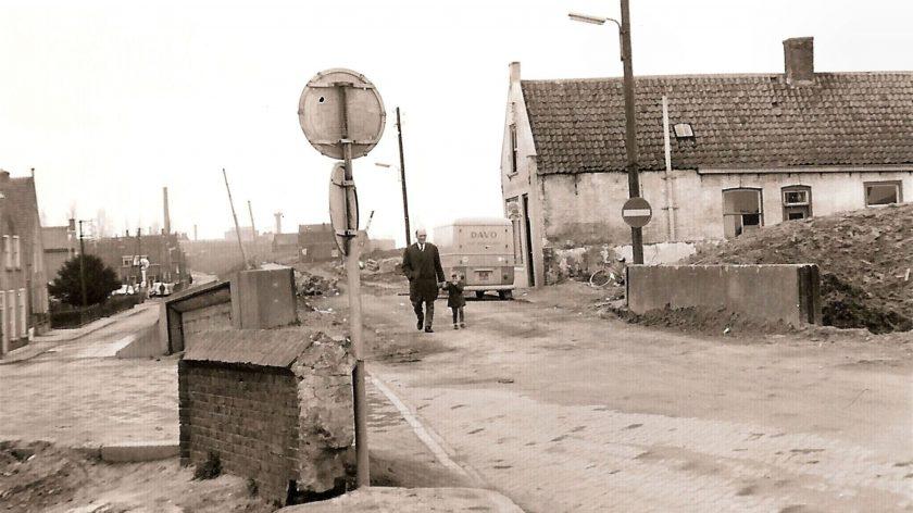 Afbraak Weverseinde Puttershoek